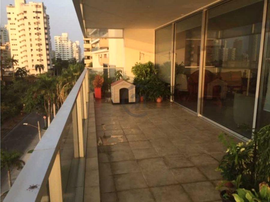amplio apartamento en bocagrande