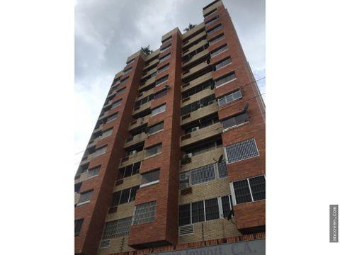 ancoven alquila apartamento en la av bolivar