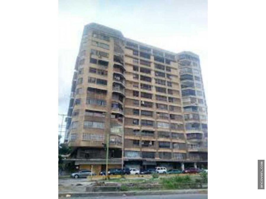 ancoven master vende apartamento en la avenida bolivar de valencia