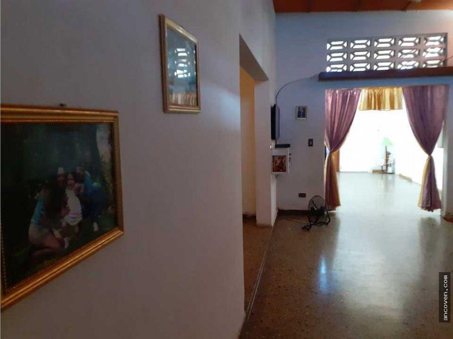 ancoven master vende casa comercial en la candelaria