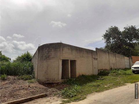 terreno con construccion en guataparo venta ancoven master