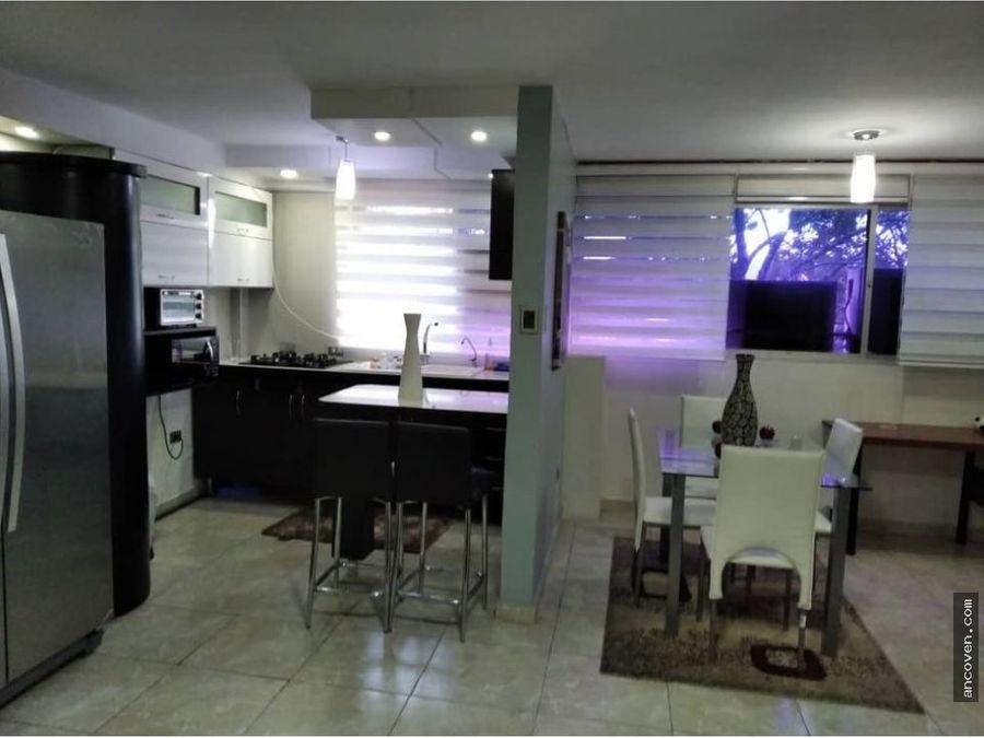 ancoven premium vende acogedor apartamento en urb la vina