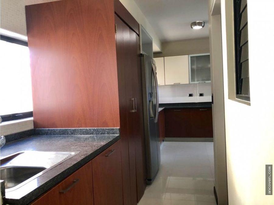 ancoven premium vende apartamento de lujo en urb el bosque