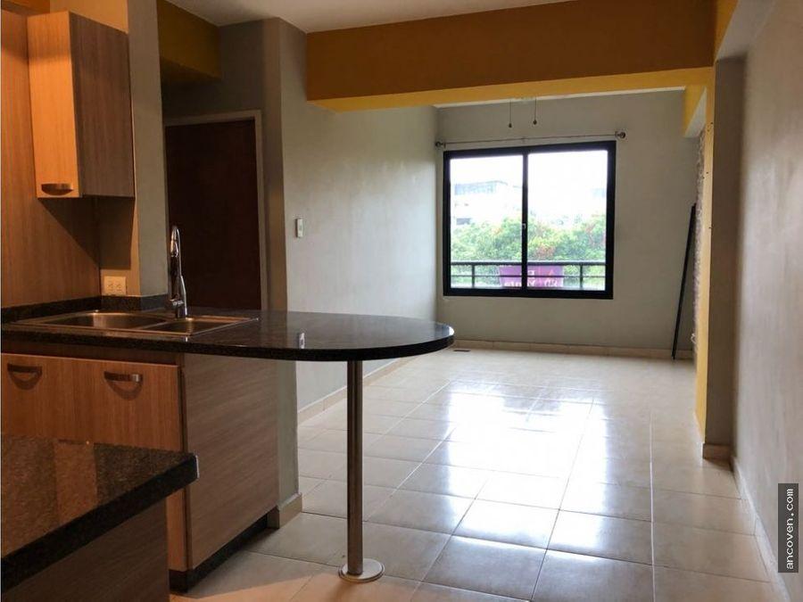 ancoven premium vende apartamento en urb agua blanca