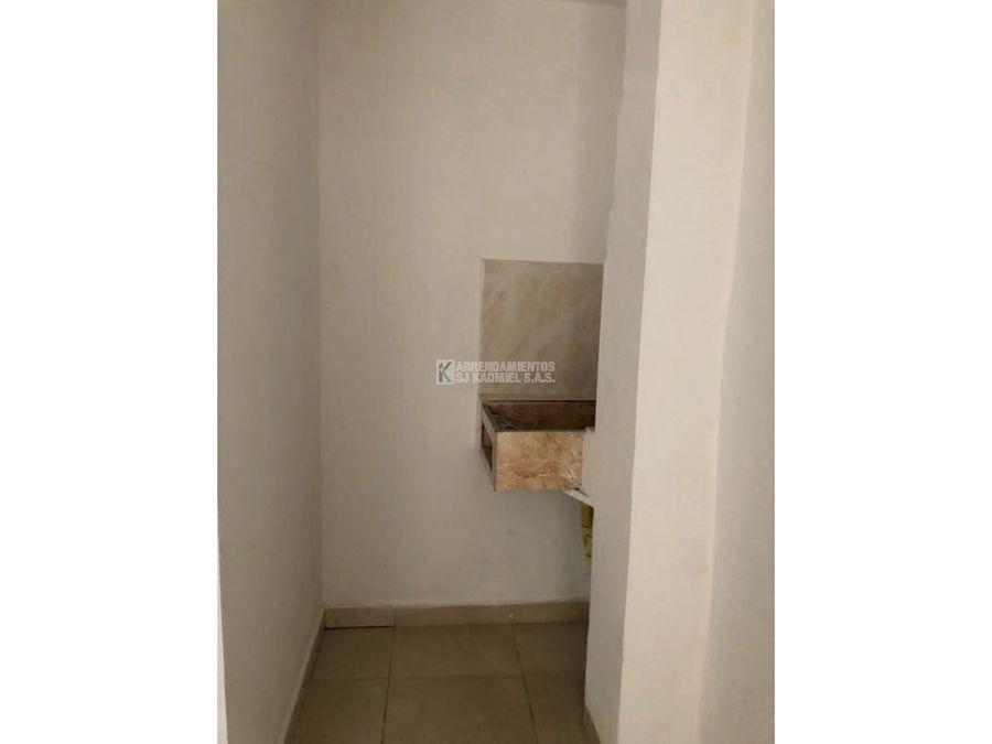 apartamento en arriendo en manrique central cod a11 35