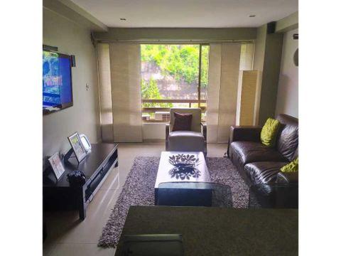 apartamento actualizado en venta en las esmeraldas