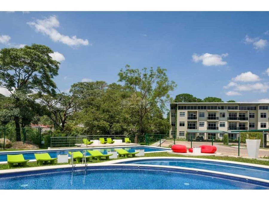 apartamento con terraza y jardin en santa ana