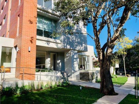 apartamento con jardin zona 15 en venta
