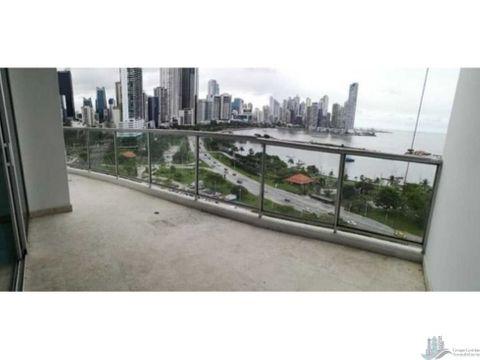 apartamento con linea blanca en la avenida balboa 173 m2 3 rec 2 banos