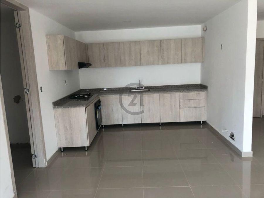 apartamento de ambientes integrados amplio y claro
