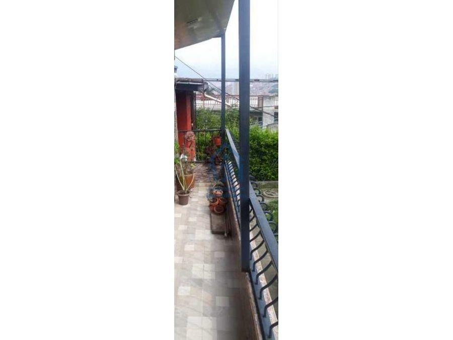 apartamento de segundo piso con balcon en venta villa del sol bello