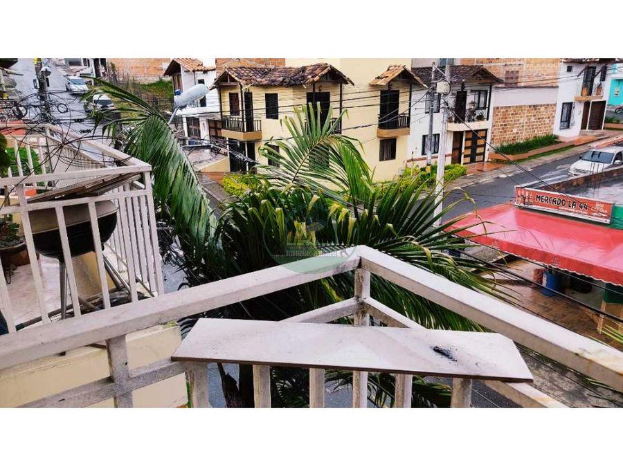 apartamento de tercer piso en marinilla barrio el hato con aire libre