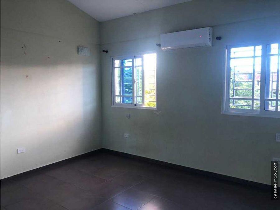 apartamento de tres habitaciones en renta rsj