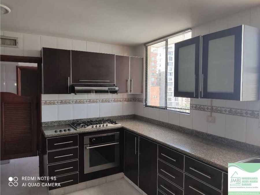 se vende apartamento de 239mts al norte de barranquilla