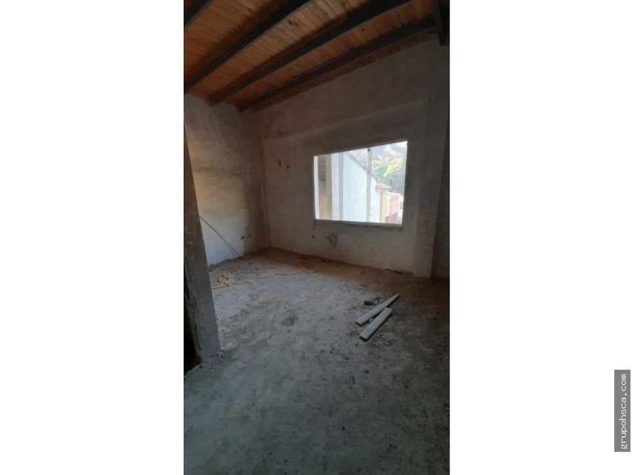 apartamento de 2 nivel en el limon pinal norte