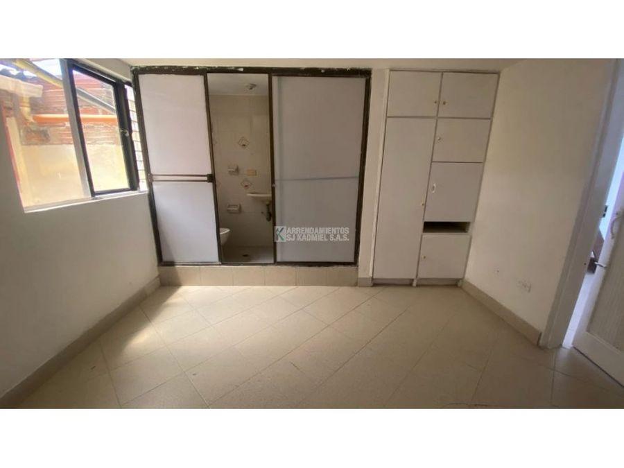 apartamento en arriendo en manrique central cod a11 129