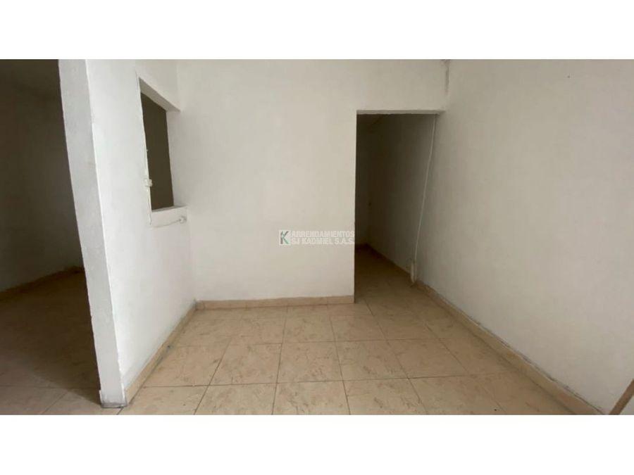 apartamento en arriendo en manrique las granjas cod a11 130