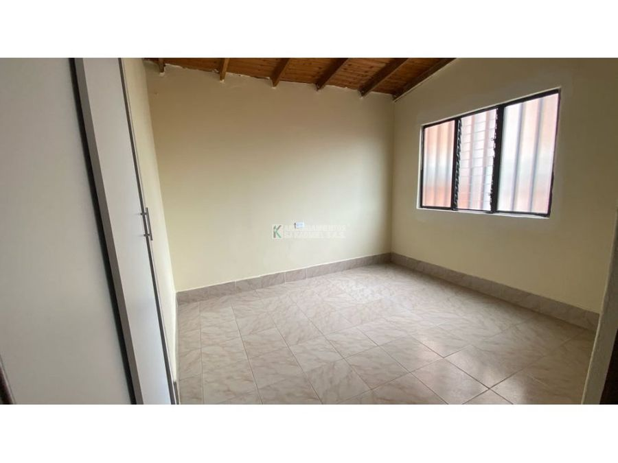 apartamento en arriendo en manrique central cod a11 128