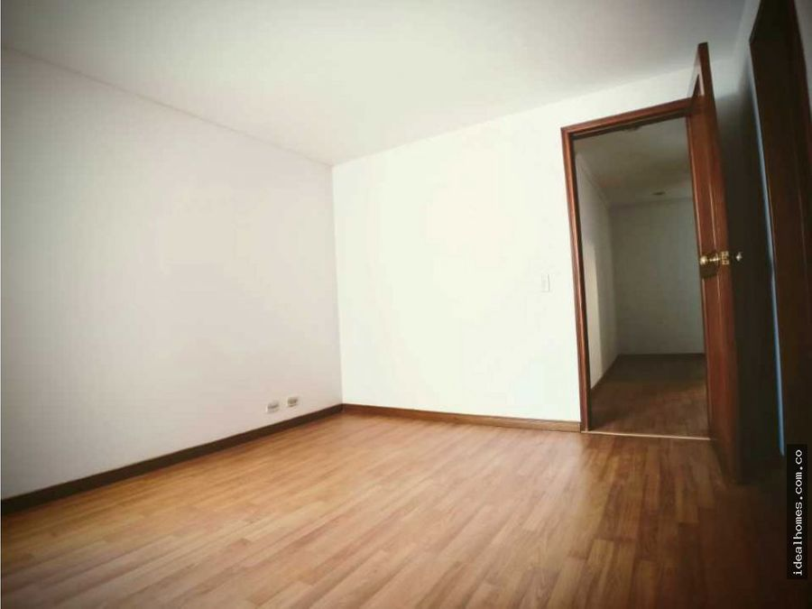 apartamento arriendo la calleja bogota