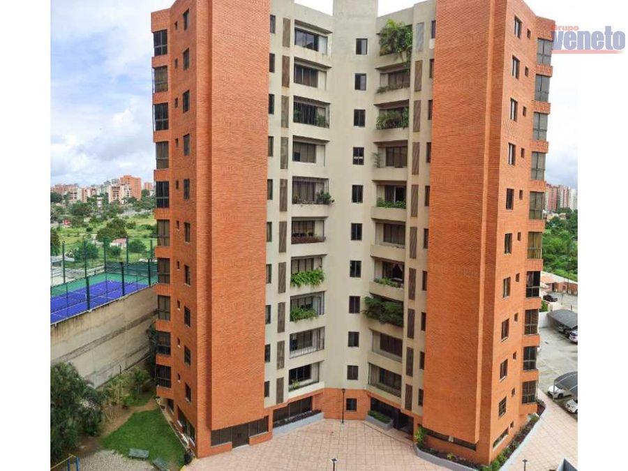 apartamento en laguna real piso medio planta electrica integral
