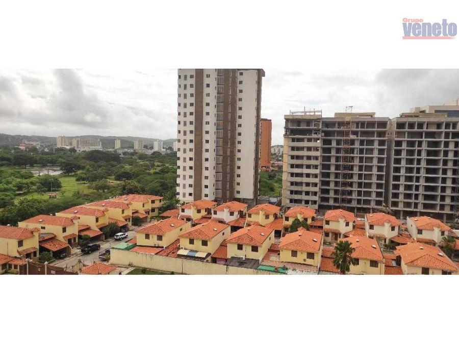 apartamento en laguna real piso alto planta electrica integral