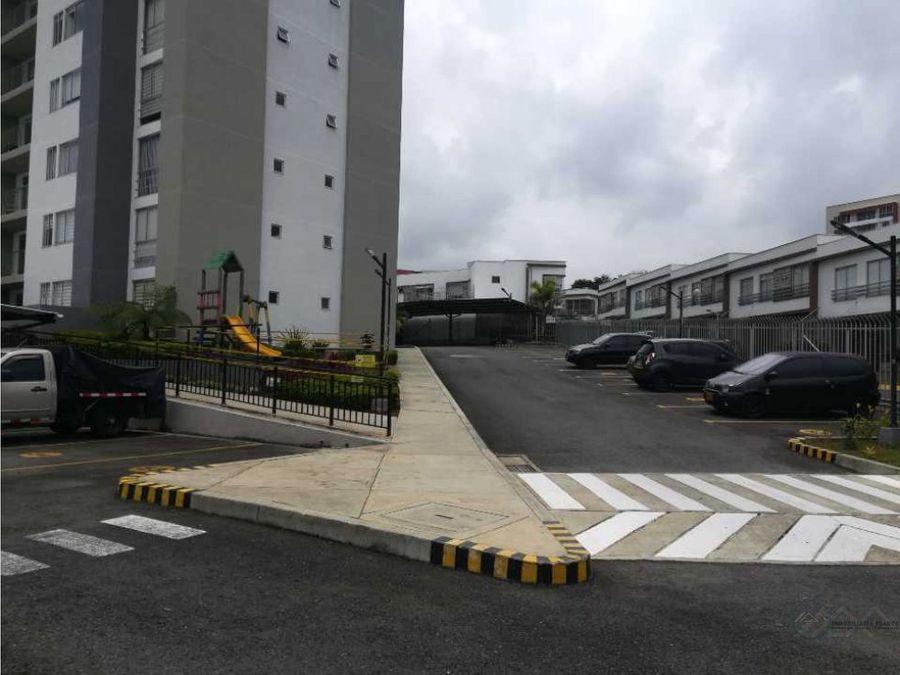 se vende apartamento sector av 19 norte
