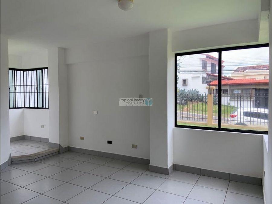 apartamento en primera planta ubicado en escazu trejos montealegre