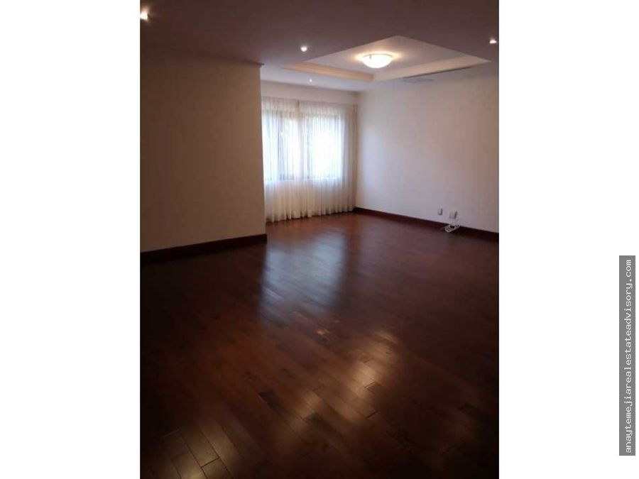 apartamento en renta en edificio tadeus z14