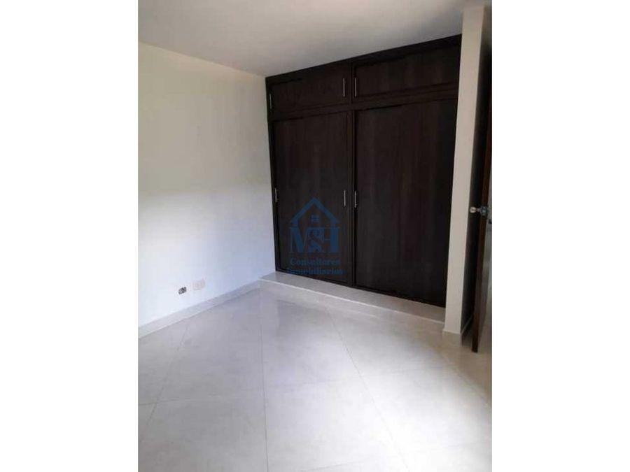 apartamento en unidad cerrada con parqueadero en el mirador bello