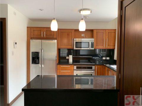 apartamento en zona 14 en renta o venta