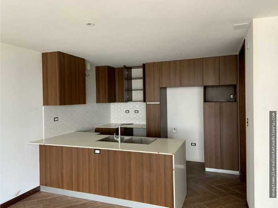 apartamento en venta edificio ikaria zona 15 vhi