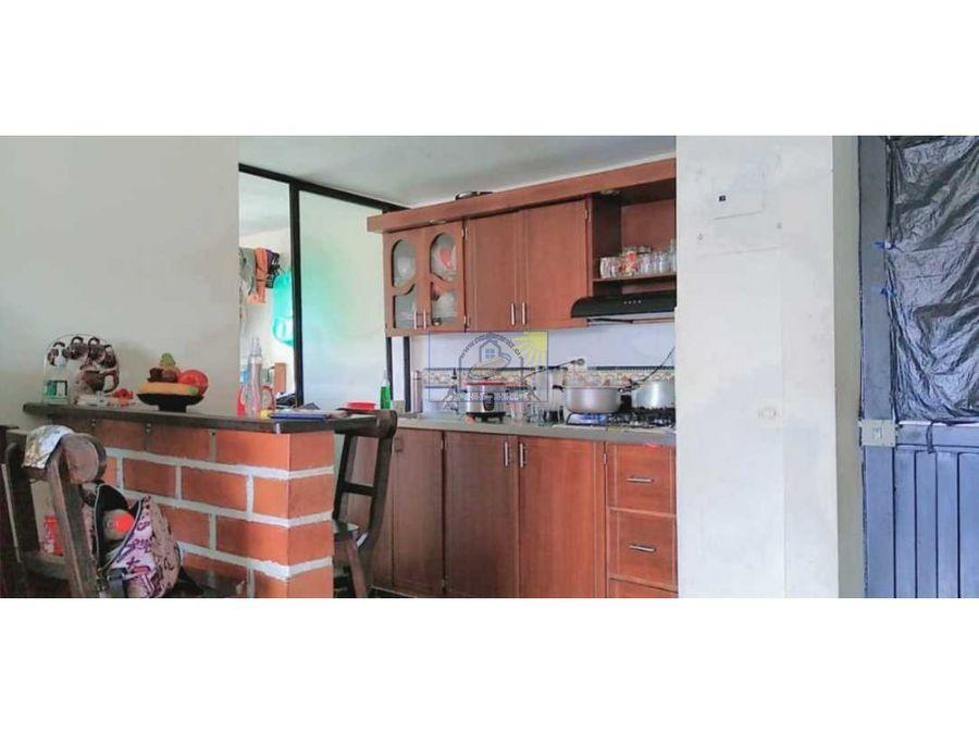 apartamento hermoso de cuarto piso en marinilla en el barrio el pinal