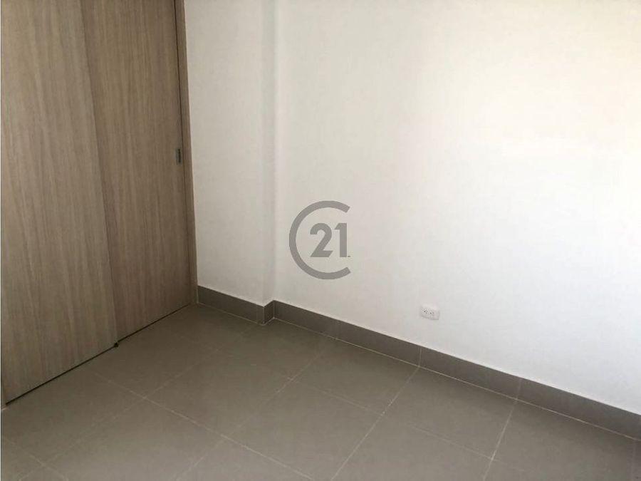 apartamento piso 2 seguro y con planta electrica