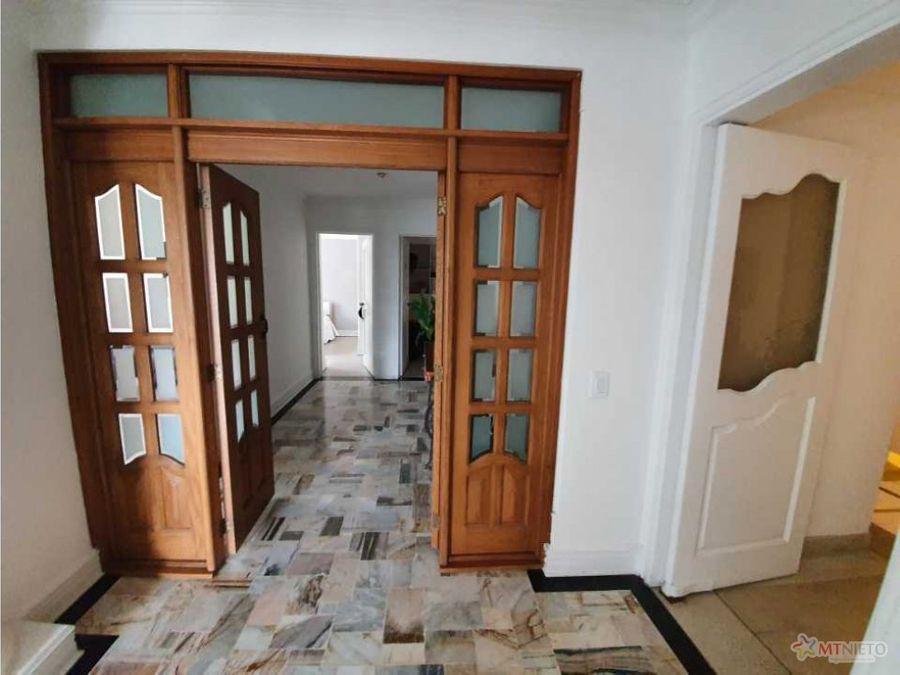 apartamento de 3 alcobas de 140 m2 la castellana