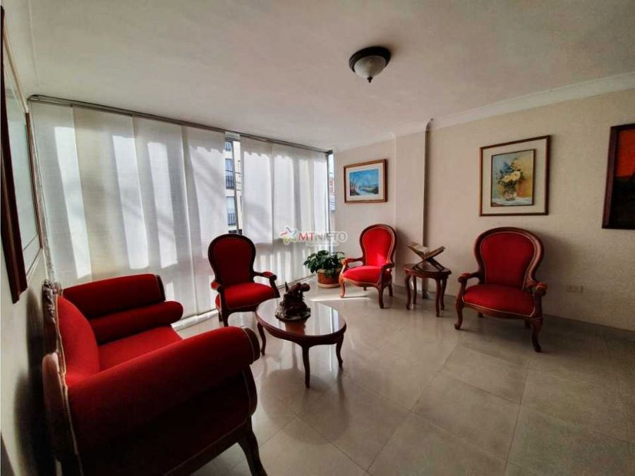 apartamento de 159 m2 de 3 alcobas y estudio segundo piso laureles