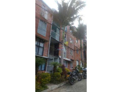 apartamento 4to piso con manzarda en marinilla villas del ensueno