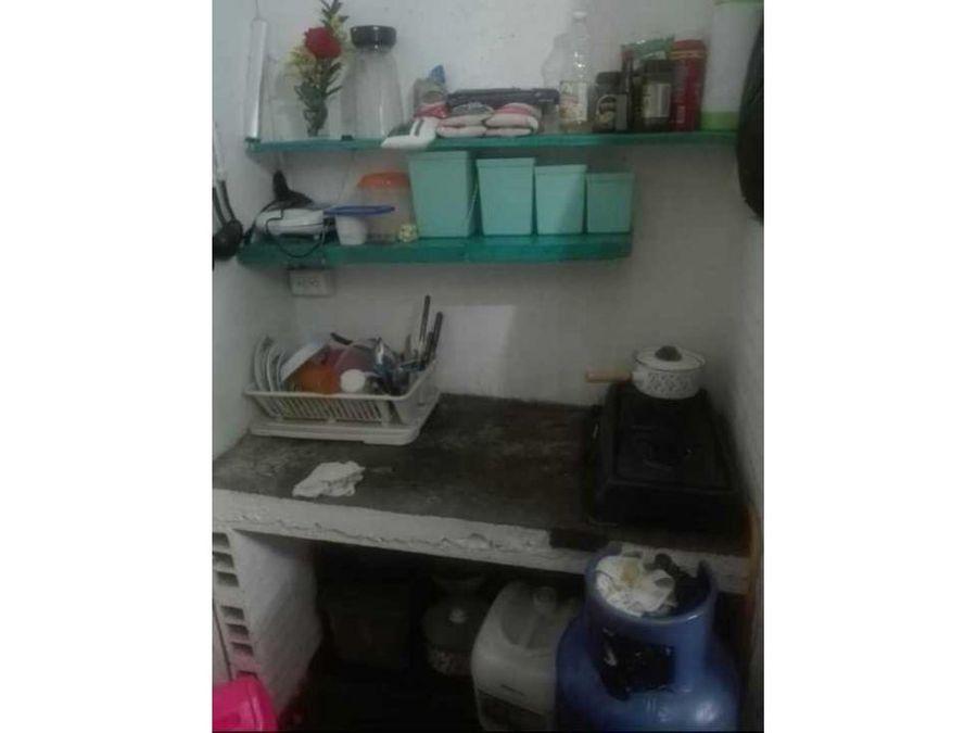 apartaestudio en barrio tinajas de marinilla con escrituras al 100