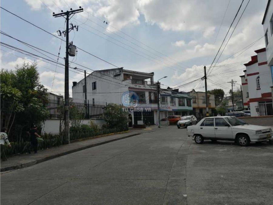 arriendo casa a 2 cuadras del hospital santa monica dosdas