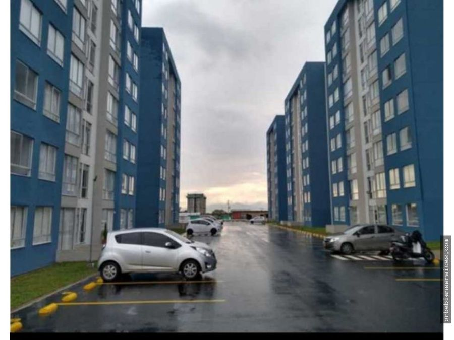 alquilo apartamento en avenida condina