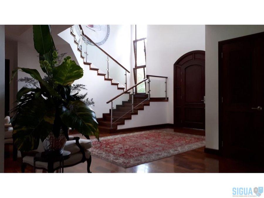 bella casa en venta en encinos de cayala 1