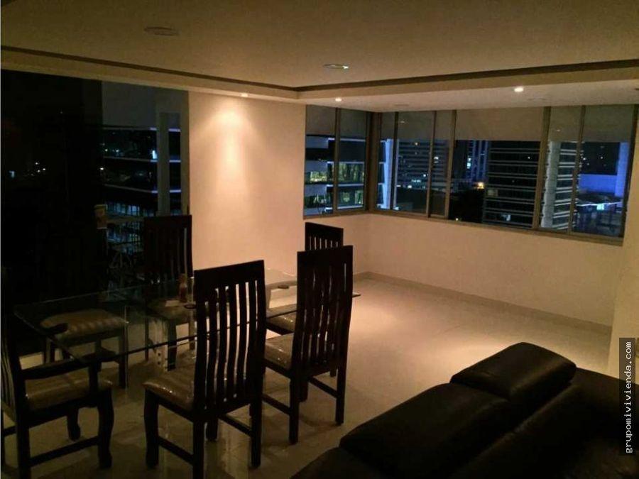 bello apartamento de dos niveles en calle 50