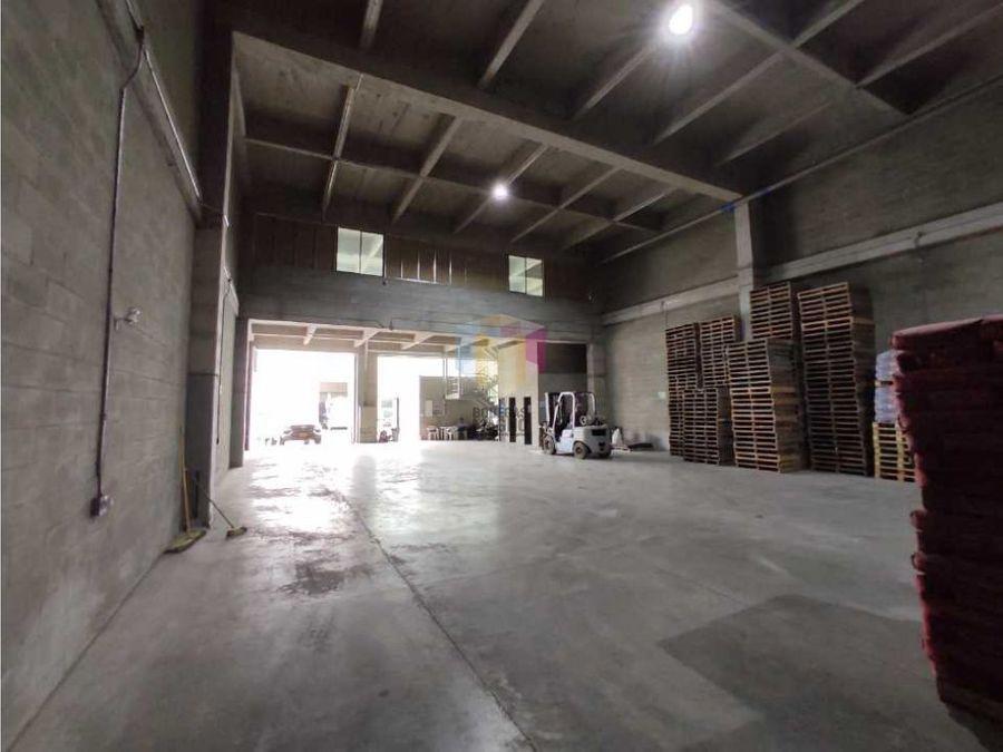 bodega arriendo 550m2 parque industrial copacabana medellin