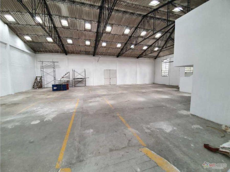 bodega industrial 3000 m2 doble calzada aeropuerto