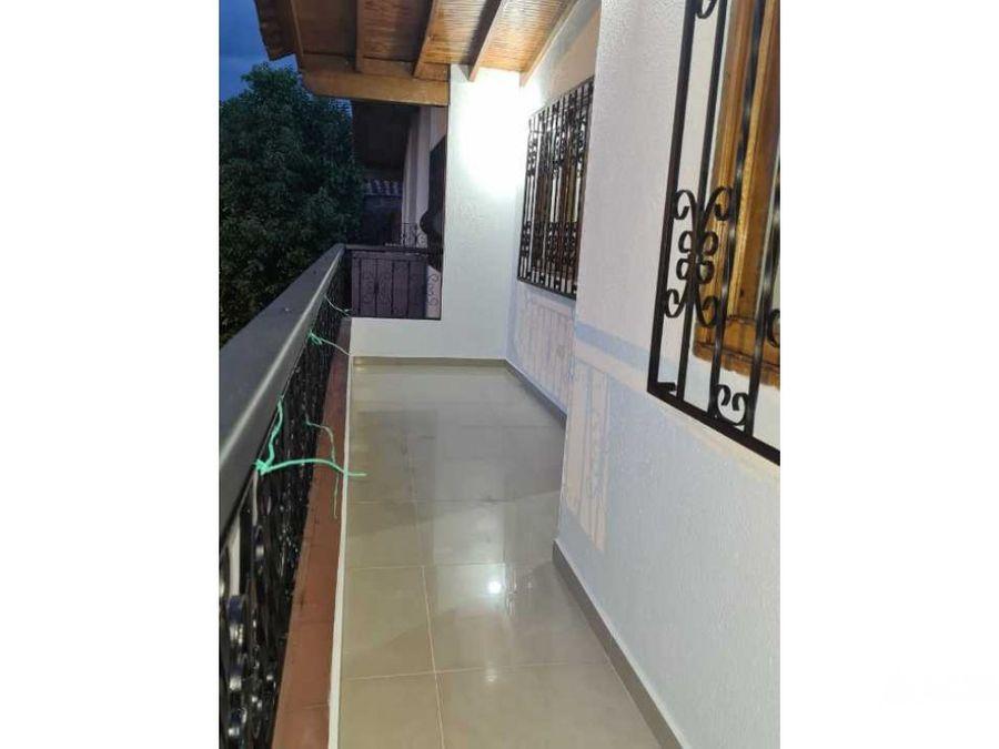 bonito amplio e iluminado apartamento en envigado barrio mesa