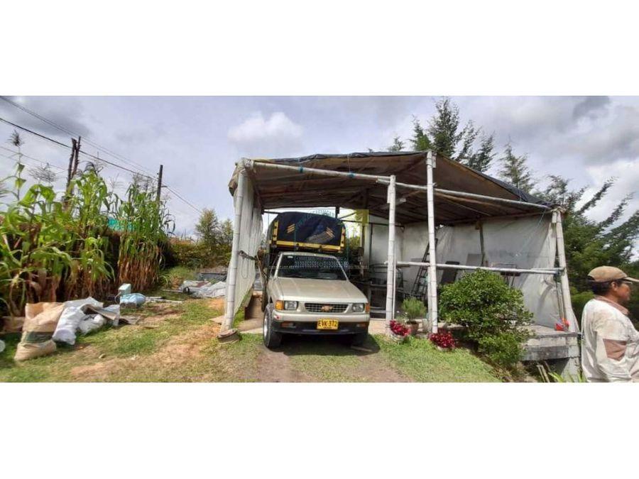 cabana en material en rionegro con acceso vehicular en pavimentada