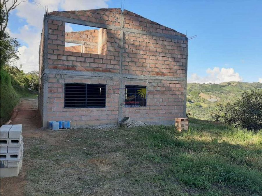 cabana en proindiviso de dos niveles para terminar con exelente vista