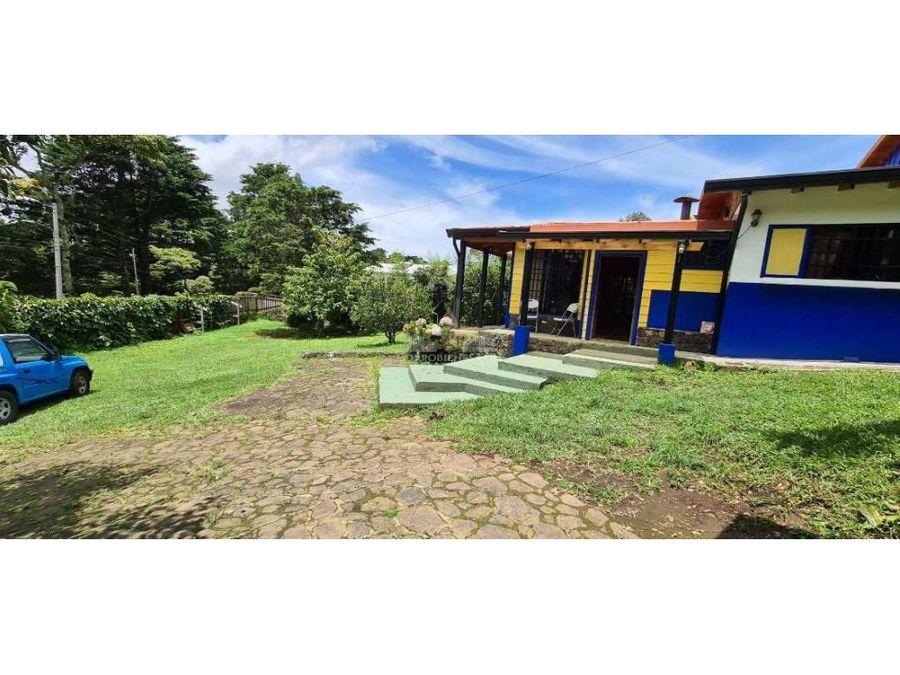 cabana en residencial con jardines cerca del rio en san rafael heredia