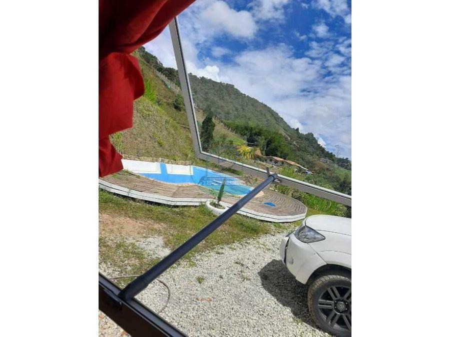 finca entre marinilla y el santuario con piscina cerca a la autopista
