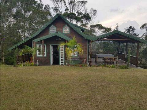 cabana hermosa madera y material en rionegro ant la vereda san luis
