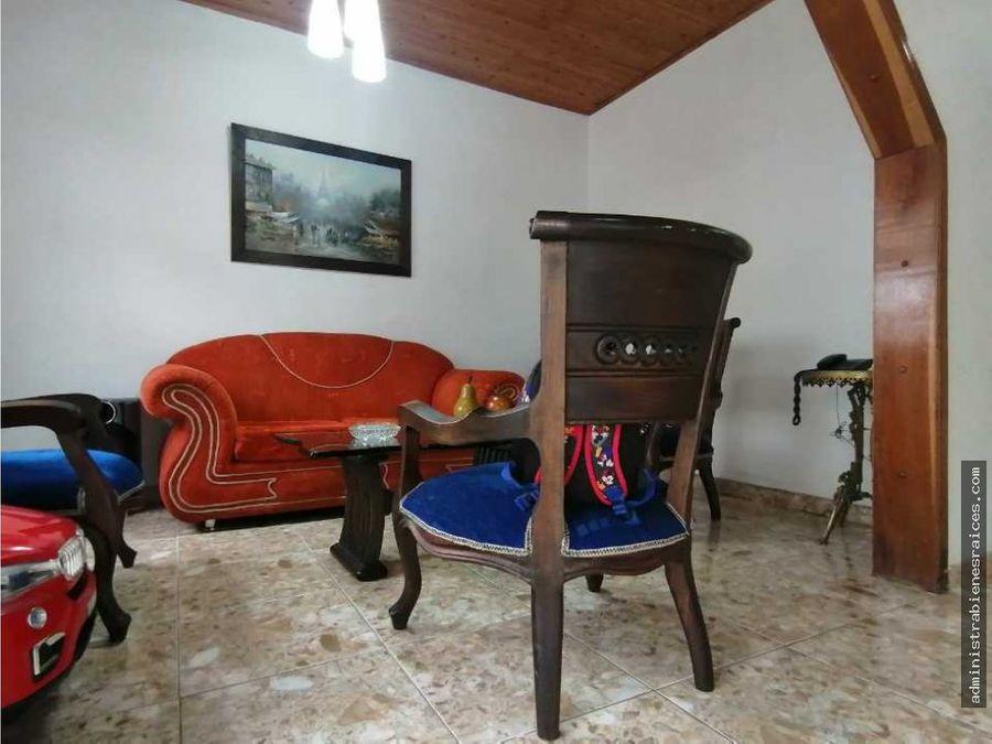 casa 3 alcobas bajo cedros manizales